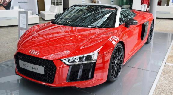 Audi R8 Spyder V10 Plus u punom sjaju
